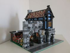 Modular medieval house inspired by set 1592