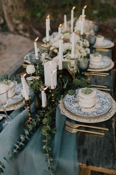 Eye Candy: 10 Creative & Unique Thanksgiving Tablescapes To .- Eye Candy: 10 Creative & Unique Thanksgiving Tablescapes To Inspire Your Holiday Roundup: 10 Unique Thanksgiving Tablescapes To Inspire You - Seaside Wedding, Chic Wedding, Wedding Styles, Rustic Wedding, Fall Wedding, Trendy Wedding, Wedding Blue, Coastal Wedding Ideas, Casual Wedding