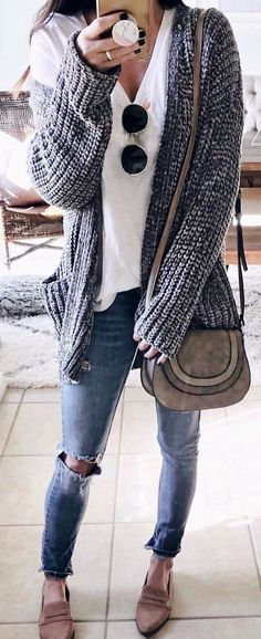 #winter #outfits grey cardigan, white v-neck shirt and blue distressed jeans. Pic by @thesisterstudioig.