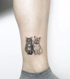 Take your love for felines to a whole new level by getting some simple but gorgeous minimalist cat tattoos! #cute #cat #kitten #tattoo
