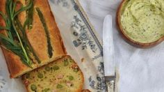 Asparagus and pancetta cake with tarragon whipped butter Cauliflower Cakes, A Food, Food And Drink, Picnic Sandwiches, Whipped Butter, Nigella Seeds, Milk And Eggs, Round Cakes
