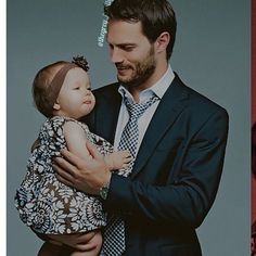 Sr Grey um papai muito fofo  * She * #cinquentatons #cinquentatonsfilme #fsog #fsd #fiftyshades #fiftyshadesmovie #dakotajohnson #anastasiasteele #likes #livros #books #follow #jamiedornan #christiangrey