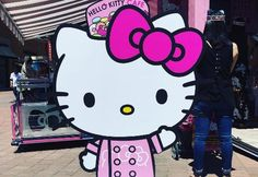 Here Are Photos From the U.S. Hello Kitty Cafe That People Are Losing Their  Minds Over f456bebb38d31