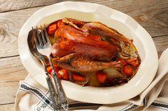 Ropogós, egészben sült fácán szalonnával megspékelve - Karácsonyra tökéletes - Receptek | SóBors