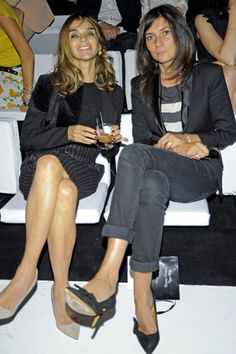 Emmanuelle Alt / Editor-in-chief of Vogue Paris / French Voguette / Parisian Only Fashion, Fashion Show, Fashion Design, Style Fashion, Fashion Outfits, Emmanuelle Alt Style, Parisian Chic Style, Carine Roitfeld, Minimal Outfit