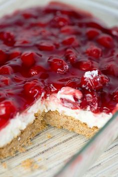Cherry Delight - a yummy graham cracker crust with a middle layer of homemade whipped filling, all topped with a delicious layer of cherries! 13 Desserts, Cherry Desserts, Cherry Recipes, Delicious Desserts, Yummy Food, Cherry Yum Yum Recipe, Desserts With Cherries, Canned Cherries, Mayonnaise