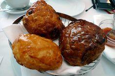 St John Hotel breakfast buns