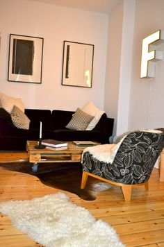 1000 images about berlin living an insight into berlin homes on pinterest berlin flats and. Black Bedroom Furniture Sets. Home Design Ideas