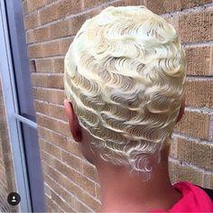 19 Extraordinary Hairstyles For Medium Length Hair Ideas Baddie Hairstyles, Girl Hairstyles, Braided Hairstyles, Vintage Hairstyles, Wedding Hairstyles, Stylish Hairstyles, Short Grey Hair, Short Hair Cuts, Short Hair Styles