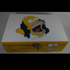 Homer ajudando na organização!!! ??? #caixamadeira #caixapersonalizada…