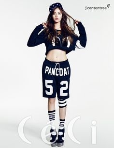 I'm not much into Kpop or Kstyle, but this Nana girl is such a goddess.