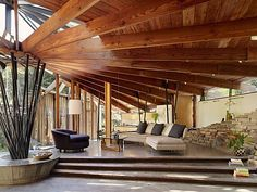 A mid-century tree house in Mill Valley: Radius House