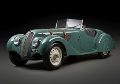 BMW 328 Roadster : on dirait une Morgan :) Bmw Classic Cars, Classic Sports Cars, Classic Auto, Classic Motors, Jaguar, Hot Rods, Bugatti, Bmw 328, Classy Cars