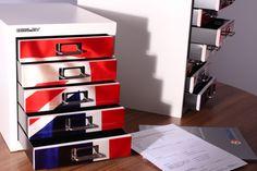 Schubladenschränke im britischen Design