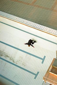#photography #skate #skateboarding #pool via It's Hard to Find a Friend