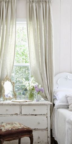 FRENCH COUNTRY COTTAGE: From blah guest room to French Country Cottage charm AND a giveaway!