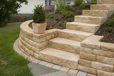 Windsor® stone wall for rustic plant beds and small slopes - Windsor® wall by Rinn concrete blocks and natural stones – Rinn concrete blocks and natural ston - Small City Garden, Herb Garden Design, Hydrangea Care, Smart Garden, Traditional Landscape, Herbs Indoors, Formal Gardens, Garden Soil, Gardening