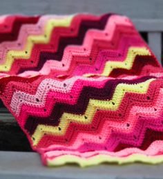 Colcha de Crochê Inspiração Colorida Ziguezague -  /  Crocheted to Quilt Inspiration Colorful Zigzag -