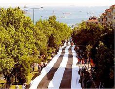 The longest flag: Beşiktaş, 2003. We are a district team. Our district, our love! :)