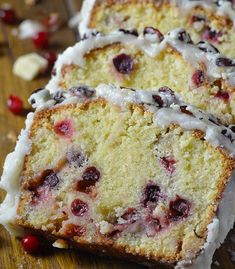 Thinking about Christmas recipes ? Then you should think about tasty pound cake with cranberries and white chocolate and a beautiful white glaze. You simply have to try this heavenly Christmas Cranberry Pound Cake ! Cranberry Pound Cake Recipe, Cranberry Recipes, Pound Cake Recipes, Holiday Recipes, Cranberry Bread, Cranberry Dessert, Cheesecake Recipes, Best Christmas Desserts, Christmas Cooking