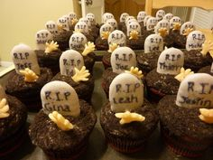 Halloween Graves Cupcakes by @Marisa Russo