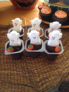 Graveyard ghost peeps pudding cups