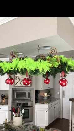 40 Grinch Themed Christmas Party Ideas - Hike n Dip - - Celebrate your Christmas Party in Grinch style. Here are Best Grinch Themed Christmas Party Ideas from Grinch Christmas decor to Grinch Inspired recipes etc. Grinch Party, Le Grinch, Grinch Christmas Party, Christmas Home, Christmas Crafts, Christmas Ornaments, Ideas For Christmas Party, Grinch Trees, Christmas Parties