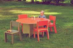 Playful furniture for playful kids by Kinkeliane Modern Childrens Furniture, Outdoor Furniture Sets, Outdoor Decor, Ministry Of Education, House Drawing, Commerce, Primary School, Scandinavian Design, Teacher