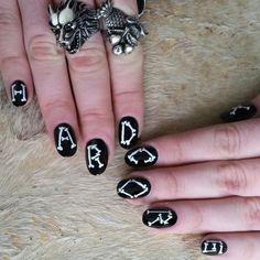 Instagram media by missbettyrose - Bone-Core  featuring Skull Queen @heart_of_bone 's Beautiful Fruit ring! #nails#nailart#bonenails#skullnails #hardcore#blacknwhitenails #blacknails