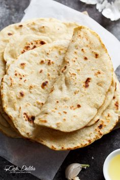 Easy Garlic Flatbread Recipe   http://cafedelites.com