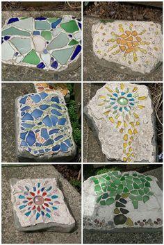 Cool mosaic stepping stones and rocks Mosaic Rocks, Mosaic Stepping Stones, Pebble Mosaic, Mosaic Glass, Paving Stones, Mosaic Crafts, Mosaic Projects, Mosaic Designs, Mosaic Patterns
