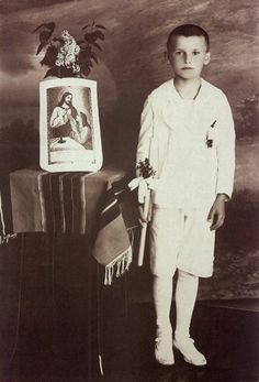 WADOWICE, POLAND - 1929: Young Karol Wojtyla (Pope John Paul II) in the memorial photograph of his first communion. (Photo by Laski Diffusio...
