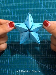 How to make origami easy – over 100 origami tutorials for all ages – Archzine.fr Origami is a good project … Diy Crafts Hacks, Diy Crafts For Gifts, Diy Arts And Crafts, Craft Stick Crafts, Holiday Crafts, Craft Ideas, Christmas Holiday, Christmas Snowflakes, Spring Crafts