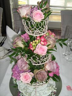 A Vintage Cake Stand Design for the Top Table