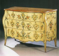 comoda estilo frances Want these decals! Hand Painted Furniture, My Furniture, Painting Furniture, Repurposed Furniture, Antique Furniture, Painted Chest, My Ideal Home, Italian Furniture, Creative Crafts