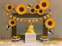 21st Birthday Decorations, Graduation Party Themes, Baby Shower Decorations, Sunflower Birthday Parties, Sunflower Party, Sweet 16 Parties, Holiday Parties, 13th Birthday, Ideas