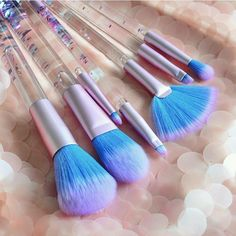 Create your sea-inspired masterpiece with the glittering Aquarium Brush Set! 7 essential brushes made with the softest and cruelty-free fibers! Limited quantities made! Shop: limecrime.com/mermaids. : @aspa_shidaqin