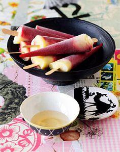 Himbeer-Maracuja-Eis am Stiel mit Blütensirup - Leckeres für und mit Eis - [LIVING AT HOME]