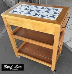 Wooden Pallet Furniture, Iron Furniture, Upcycled Furniture, Pallet Kitchen Island, Bbq Table, Tile Tables, Diy Kitchen Decor, Home Decor, Cool Tables