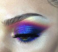 Multi-tonal eyeshadow, eyes, makeup, lisa frank, bright, satirated, blue, pink, purple, gold, dramatic