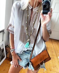 """2,480 Likes, 23 Comments - Anna Skoog (@annamavridis) on Instagram: """"The perfect summer blouse ♡ @etoilecoral #loveit @malabylove necklace @hiddenjeans shorts #chloe"""""""