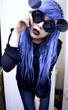 pastel-goth-princess:  mi-pequena-princesa:  ✝Soft Grunge/Goth blog✝  ❤