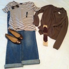 Love this casual fall outfit!