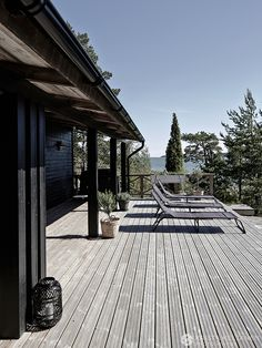 my scandinavian home: Summer cottage Haus Am See, Summer Cabins, Weekend House, Patio Roof, Scandinavian Home, Black House, House In The Woods, Outdoor Rooms, Home Design