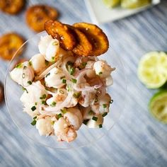 Rock Shrimp & Scallop Ceviche with plantain chips Shrimp And Lobster, Crab Stuffed Shrimp, Scallop Ceviche, Crudite, Easy Appetizer Recipes, Appetizers, Seafood Recipes, Food And Drink, Appetizer Recipes