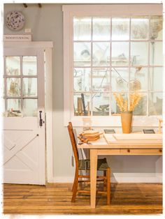 Woodturning shop at ShackletonThomas. Click through for a tour. A great day trip and wonderful people. #Vermont #StudioFurniture #Pottery #HomeGoods #Handcraft