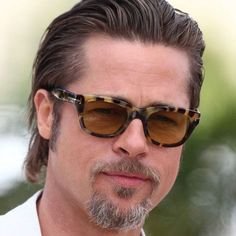 Brad Pitt Slicked Back - Best Brad Pitt Haircuts: How To Style Brad Pitt's Hairstyles, Haircut Styles, and Beard #menshairstyles #menshair #menshaircuts #menshaircutideas #menshairstyletrends #mensfashion #mensstyle #fade #undercut #bradpitt #celebrity #bradpitthair Celebrity Hairstyles, Hairstyles Haircuts, Haircuts For Men, Pompadour, Brad Pitt Style, Brad Pitt Haircut, Medium Length Hair Men, Men's Fashion, Slicked Back Hair