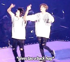 Baby Sehun needs a hug. *runs cutely to his maknae brother* #TaoHun too cute.
