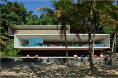 Completed in 2009 in Parati, Brazil. Images by Nelson Kon. There is a legend which says that the region of the colonial city of Paraty and Angra dos Reis (between São Paulo and Rio de Janeiro) has Contemporary Architecture, Interior Architecture, Facade Design, House Design, Lagny Sur Marne, Studio Mk27, Decoration, Building, Outdoor