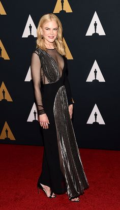 Nicole Kidman from Governors Awards 2016 Red Carpet Arrivals Black is the color of the night for the Lion star and several other talented actresses. Celebrity Red Carpet, Celebrity Style, Athletic Dresses, Igbo Wedding, Tadashi Shoji Dresses, Prom Dresses 2017, How To Look Handsome, Gowns Of Elegance, Nicole Kidman